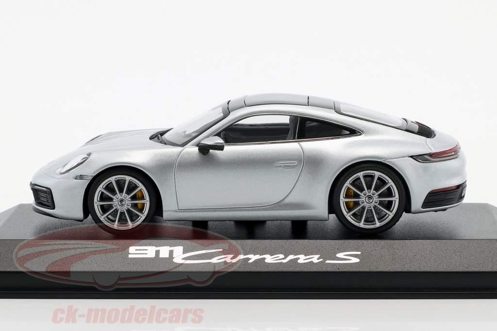 Porsche 911 (992) C2S coupé année de construction 2019 dolomit argent métallique 1:43 Minichamps