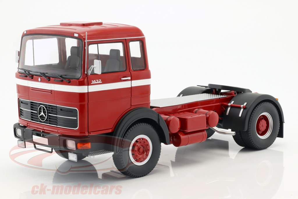 Mercedes-Benz LPS 1632 Traktor Opførselsår 1969 rød / hvid 1:18 Road Kings