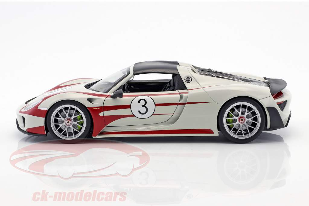 Porsche 918 Spyder #3 Salzburg Design blanc / rouge 1:18 Welly