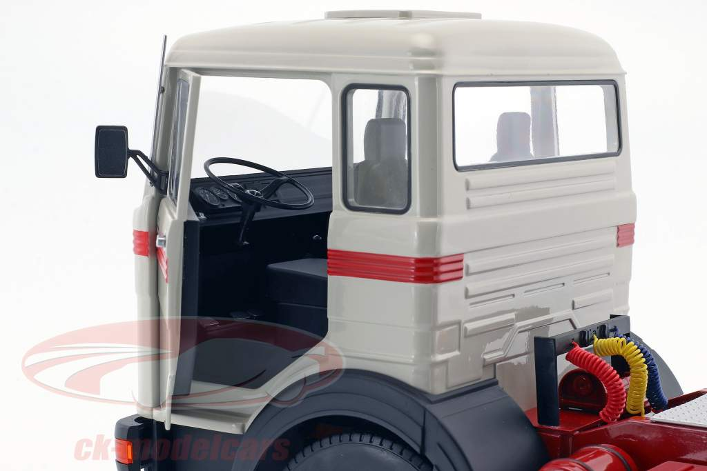 Mercedes-Benz LPS 1632 Tractor year 1969 grey / red 1:18 Road Kings