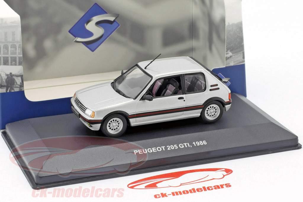 Peugeot 205 GTI 1,6 L année de construction 1986 argent métallique 1:43 Solido