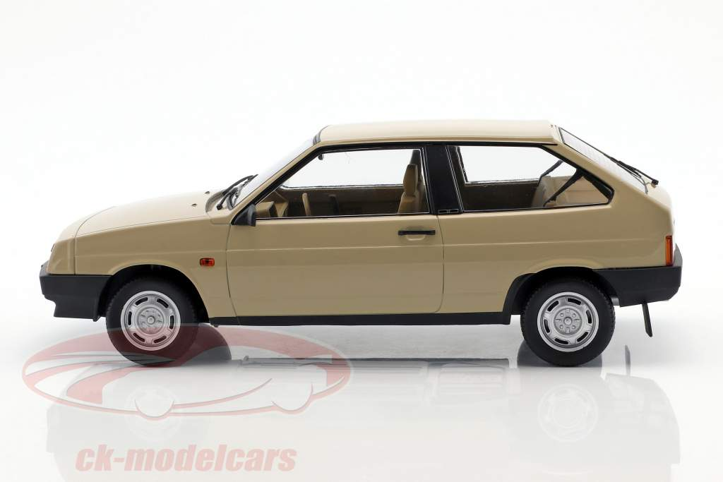 Lada Samara Baujahr 1984 hellbraun 1:18 KK-Scale