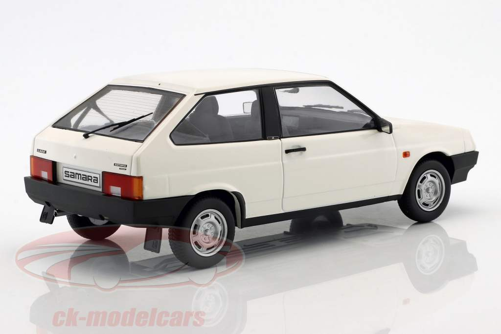 Lada Samara year 1984 white 1:18 KK-Scale