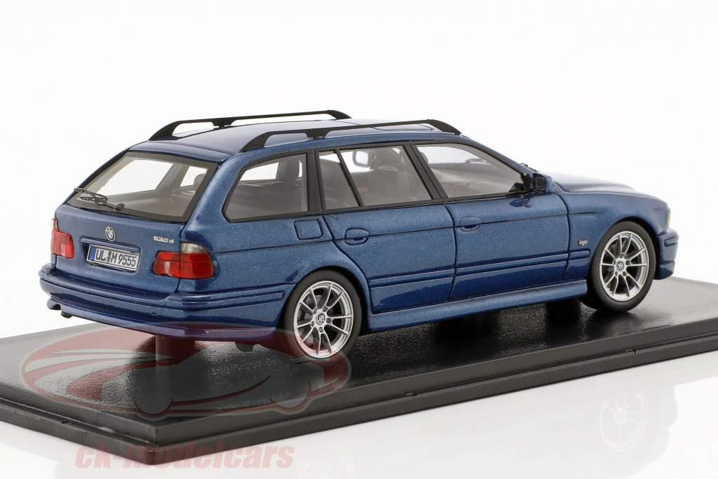 BMW 520 Touring (E39) année de construction 2002 bleu métallique 1:43 Neo