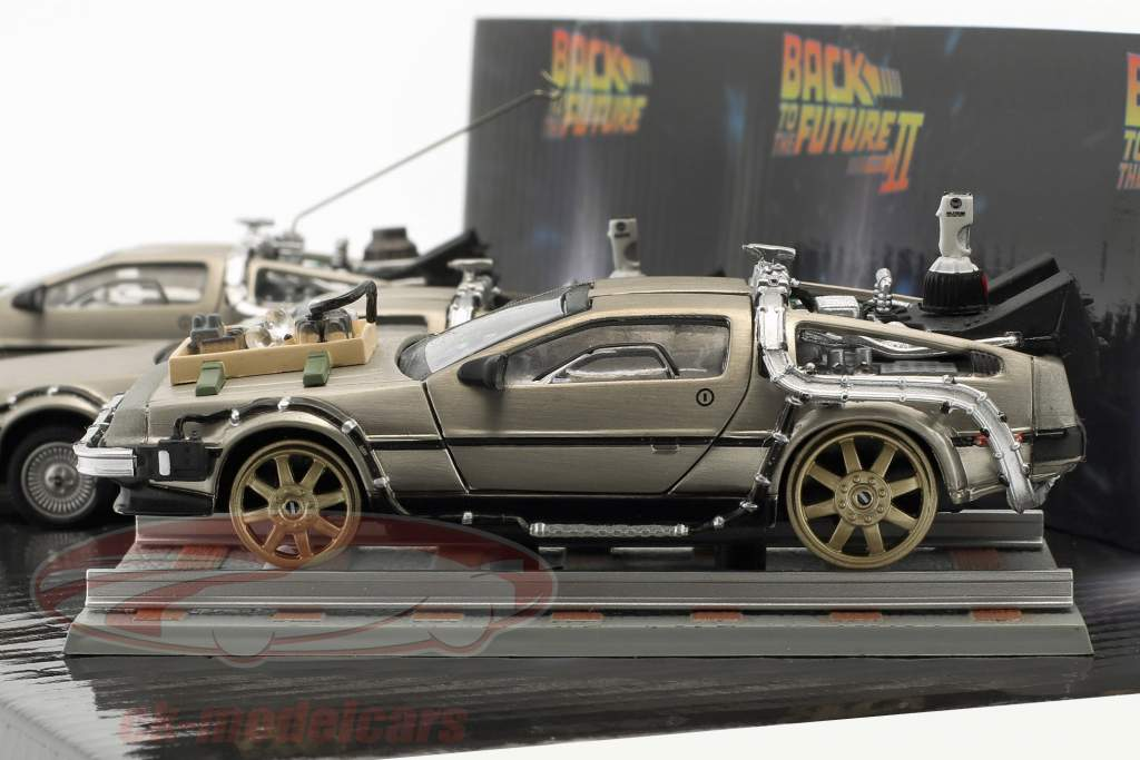DeLorean DMC-12 Ritorno al futuro 3 auto-set 1:43 SunStar