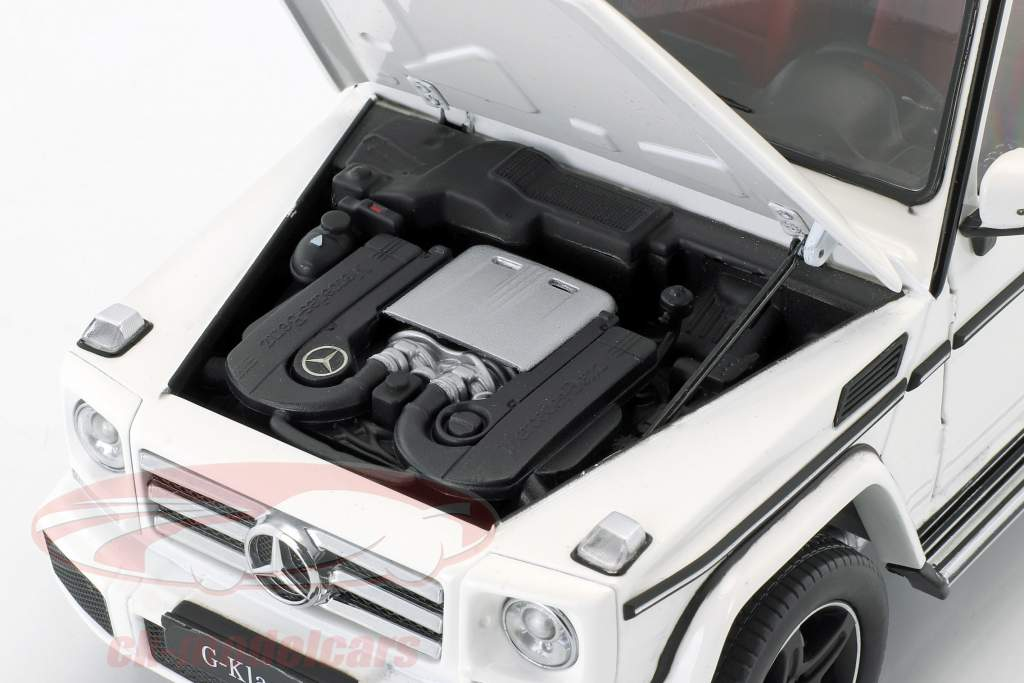 Mercedes-Benz G-Class (W463) year 2015 polar white 1:18 iScale