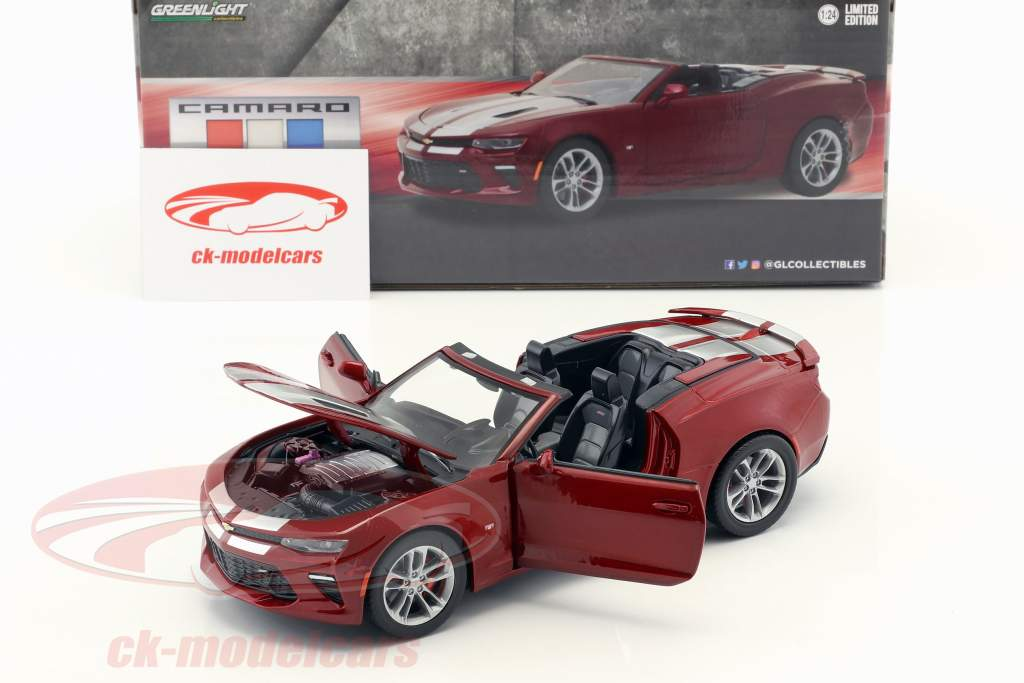 Chevrolet Camaro SS Cabriolet year 2017 dark red metallic 1:24 Greenlight