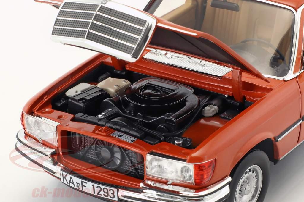 Mercedes-Benz 450 SEL 6.9 année de construction 1976 orange métallique 1:18 Norev