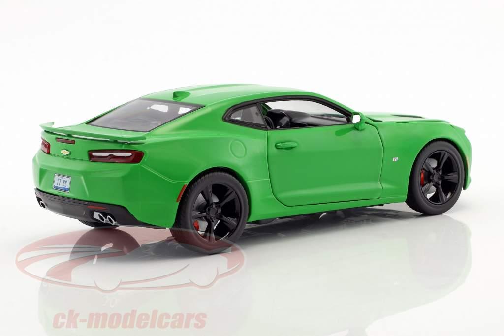 Chevrolet Camaro SS year 2017 krypton green 1:24 Greenlight