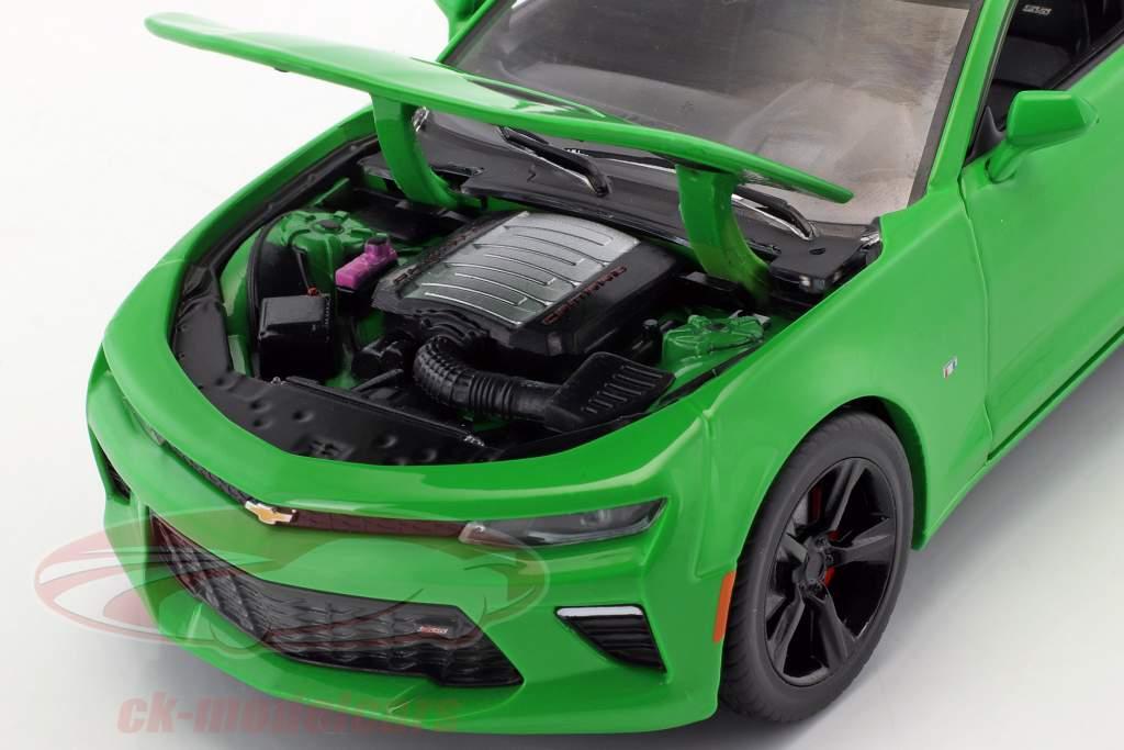 Chevrolet Camaro SS année de construction 2017 krypton vert 1:24 Greenlight