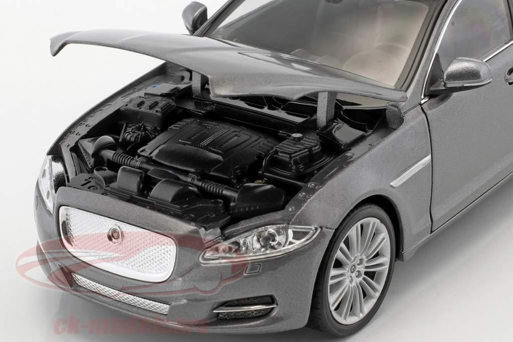 Jaguar XJ (X351) Opførselsår 2010 sølv metallisk 1:24 Welly