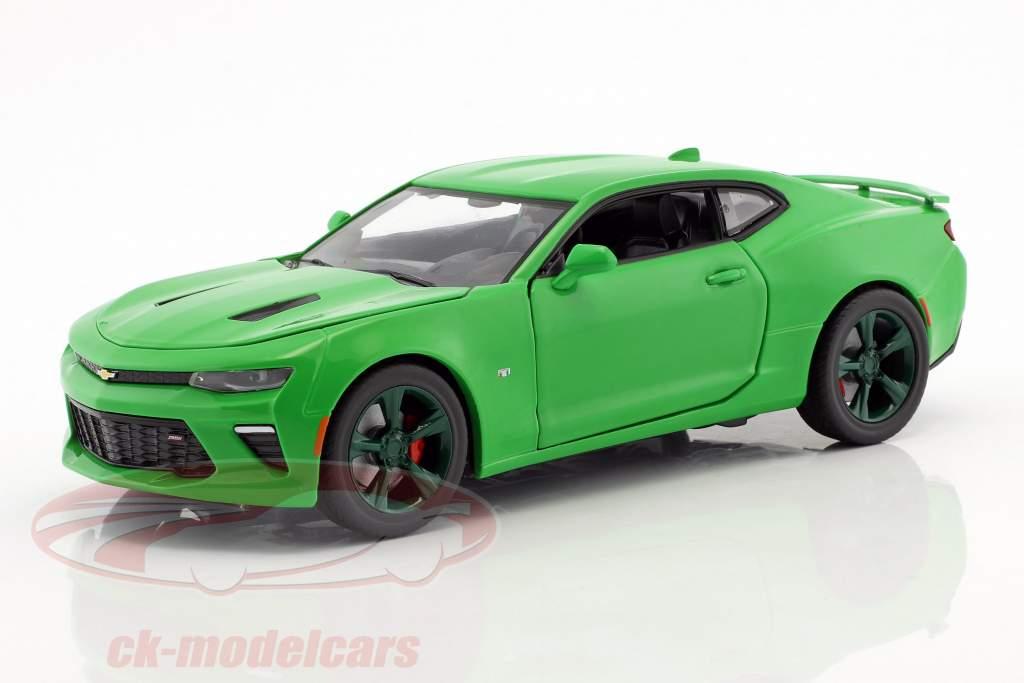 Chevrolet Camaro SS Baujahr 2017 krypton grün / grün 1:24 Greenlight