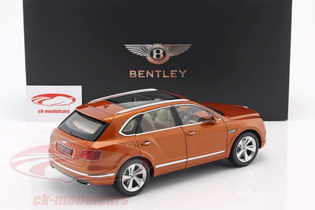 Bentley Bentayga Bouw jaar 2017 oranje vlam 1:18 Kyosho
