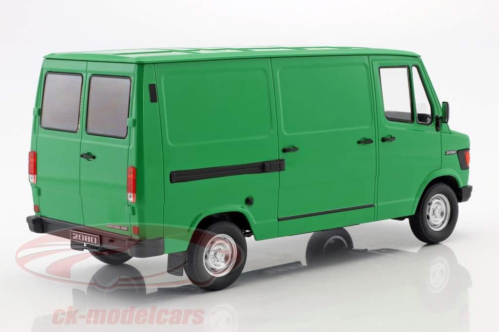 Mercedes-Benz 208 D busje Bouwjaar 1988 groen 1:18 KK-Scale