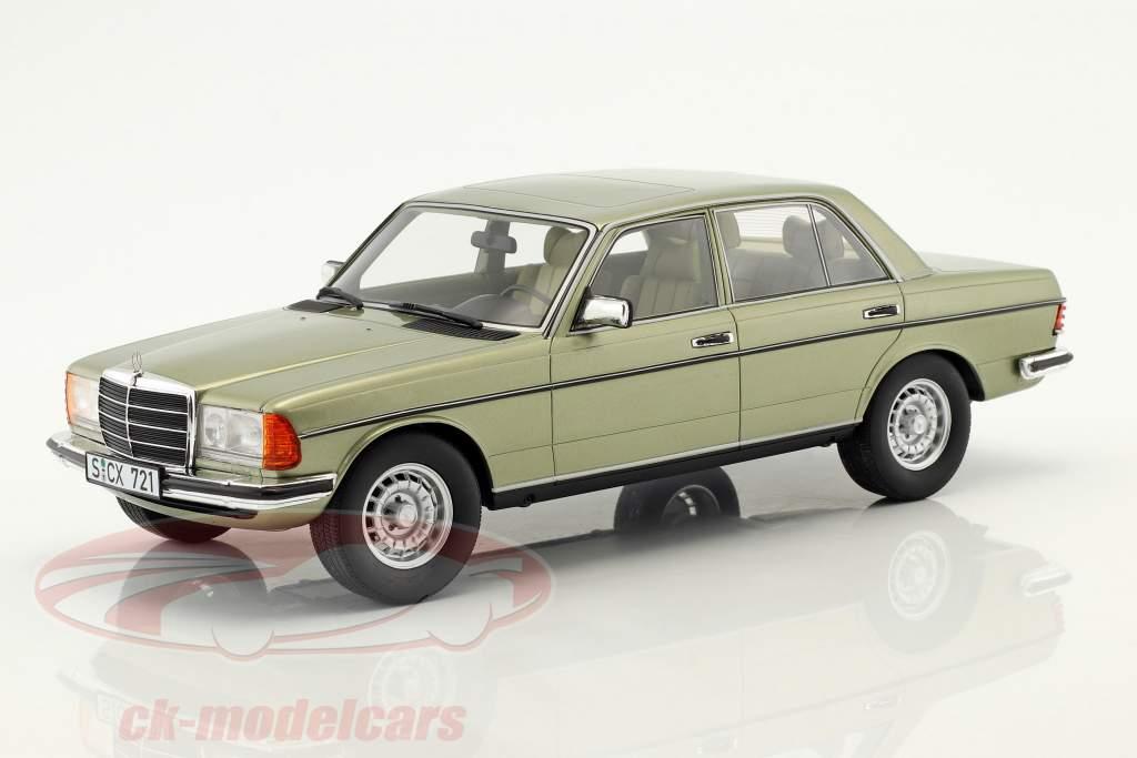 Mercedes-Benz 280 E (W123) ano de construção 1976 verde de prata 1:18 Cult Scale