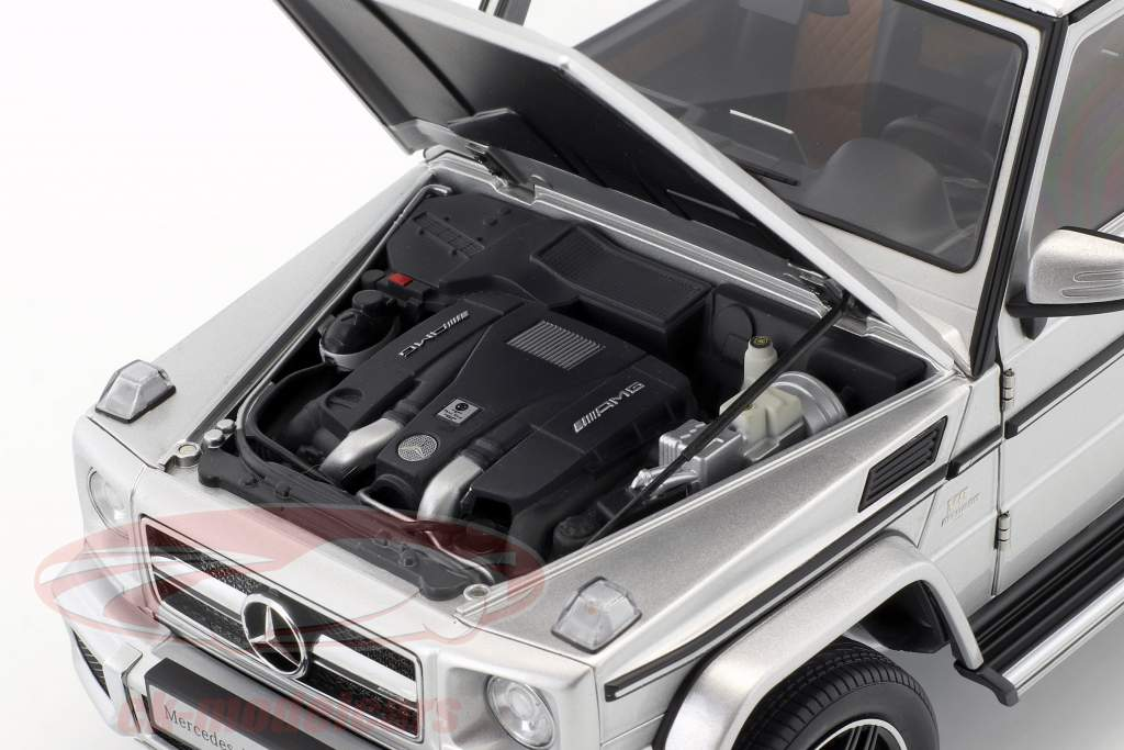 Mercedes-Benz AMG G 63 ano de construção 2017 prata 1:18 AUTOart