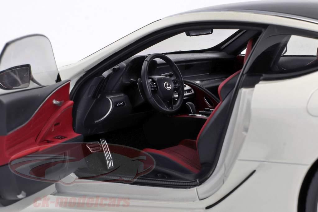 Lexus LC 500 branco metálico 1:18 AUTOart