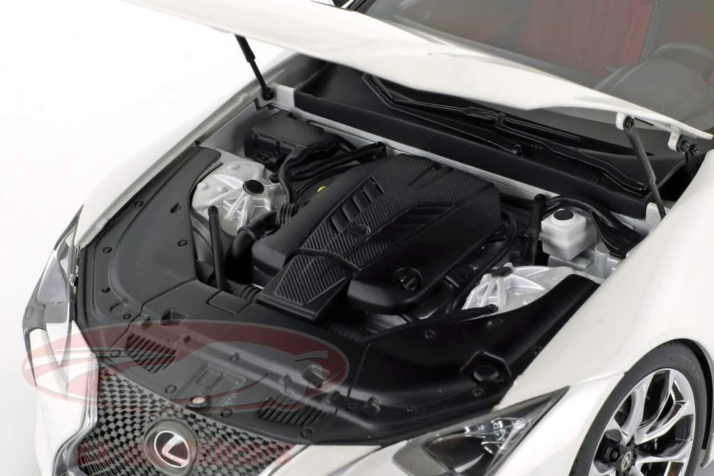 Lexus LC 500 hvid metallisk 1:18 AUTOart