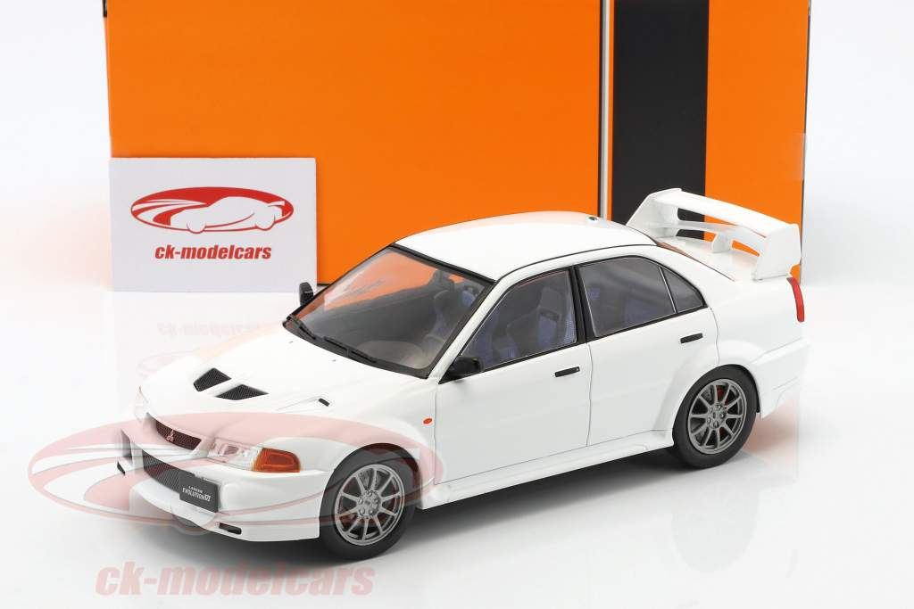 Mitsubishi Lancer RS Evolution VI Bouwjaar 1998 wit 1:18 Ixo