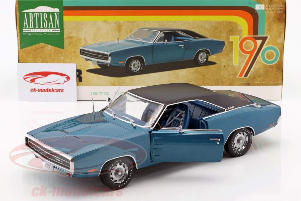 Dodge Charger 500 SE year 1970 blue / black 1:18 Greenlight
