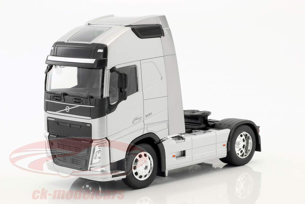 Volvo FH (4x2) Tractor year 2016 silver metallic 1:32 Welly