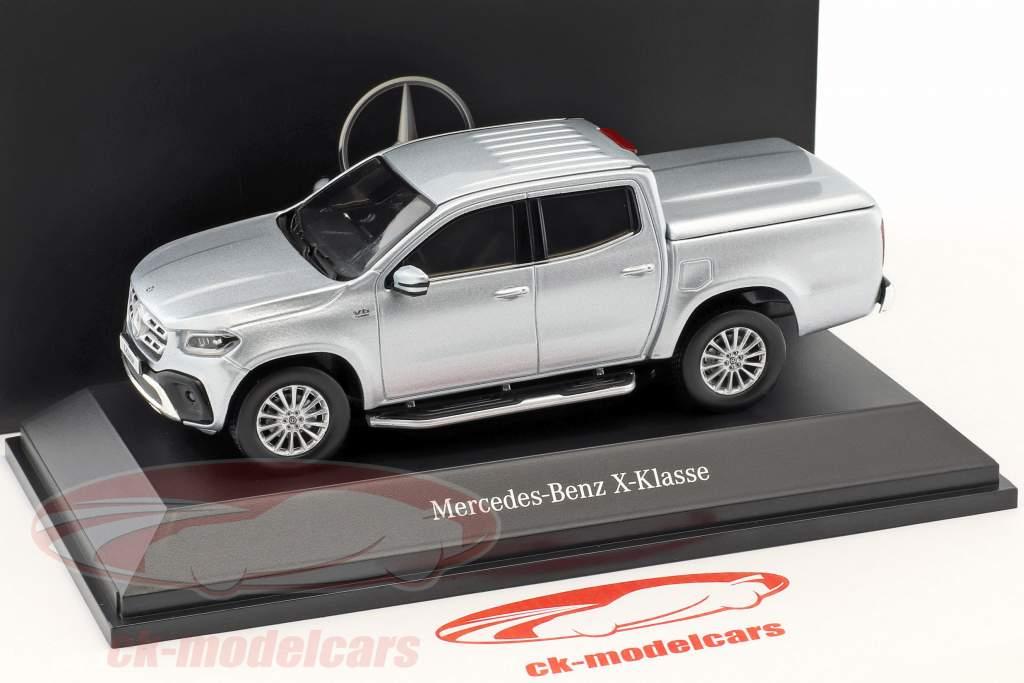 Mercedes-Benz X-Class (BR470) anno di costruzione 2017 diamante argento 1:43 Spark