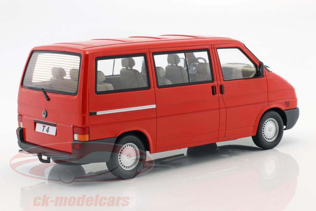 Volkswagen VW T4 bus Caravelle year 1992 red 1:18 KK-Scale