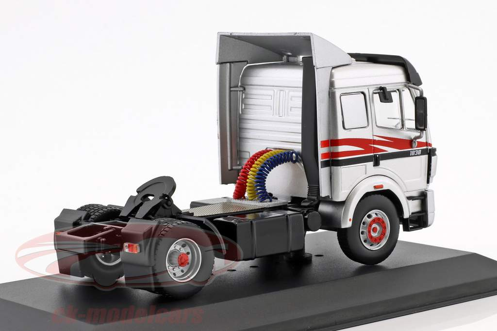 Mercedes-Benz SK-II 1838 year 1994 silver / red / black 1:43 Ixo