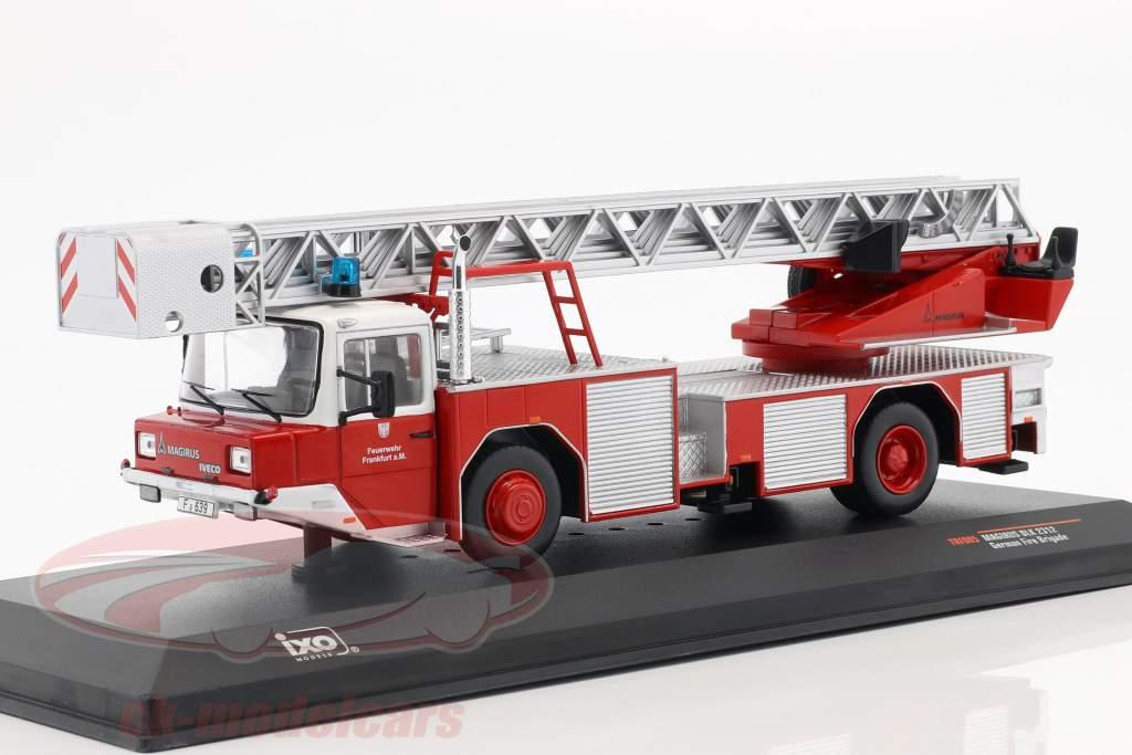 Magirus DLK 2312 departamento de bomberos Frankfurt am Main rojo 1:43 Ixo