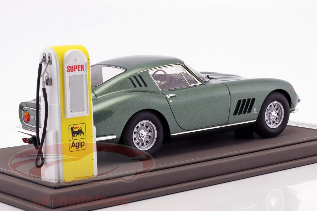Ferrari 275 GTB year 1964 Personal Car Battista Pininfarina with showcase and Leather Box 1:18 BBR