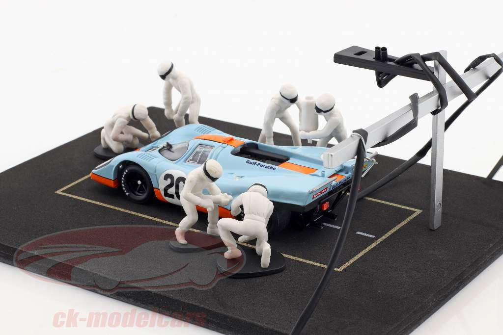 Pit stop mechanic set with 6 characters and equipment white 1:43 Ixo