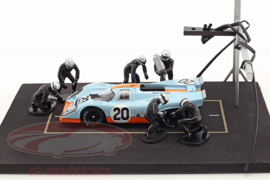 Pit stop mechanic set with 6 characters and equipment black 1:43 Ixo