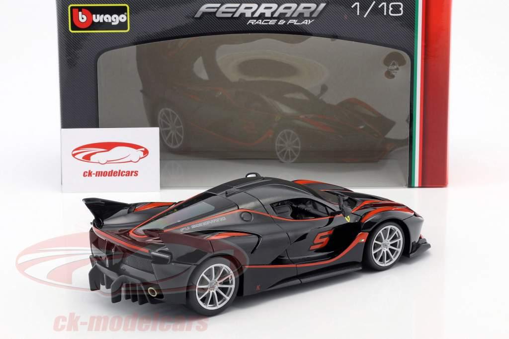 Ferrari FXX-K #5 negro / rojo 1:18 Bburago