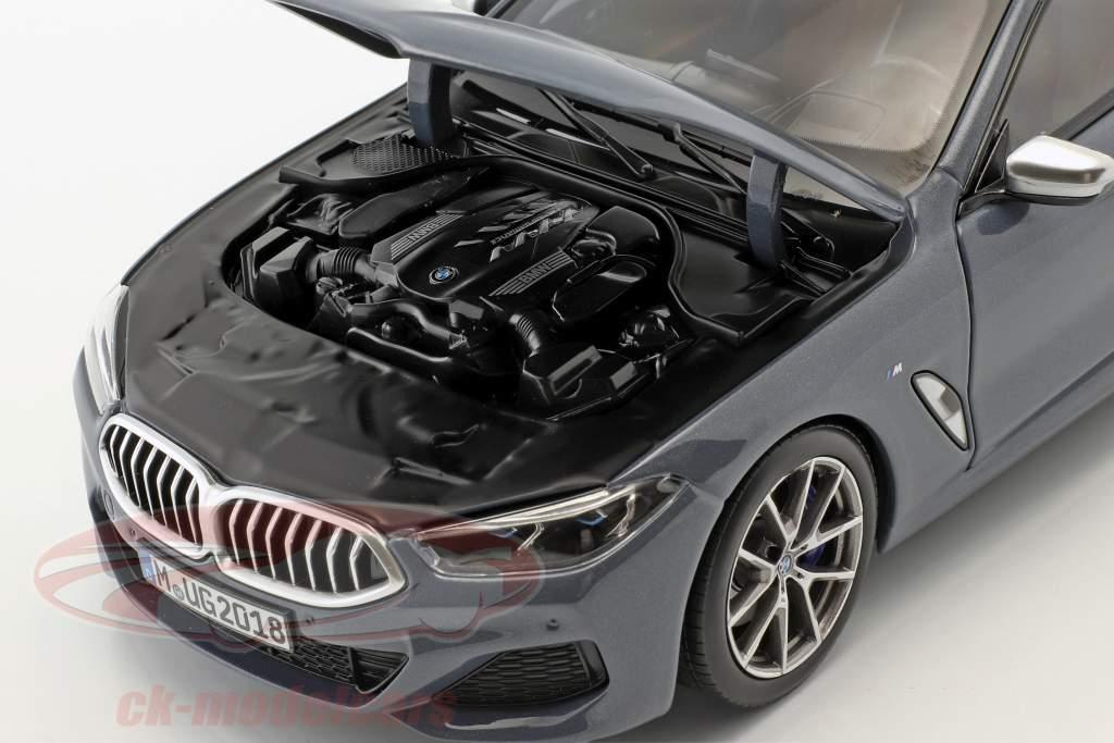 BMW 8 Series coupe ano de construção 2019 Barcelona azul metálico 1:18 Norev