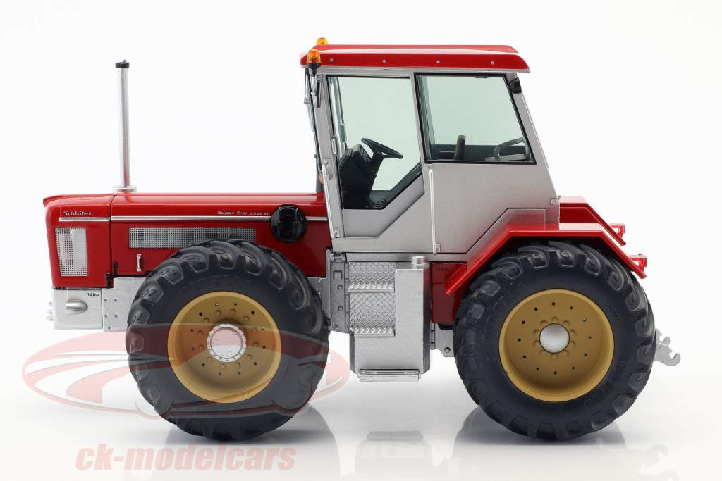 Schlüter Super Trac 2500 VL vermelho 1:32 Schuco