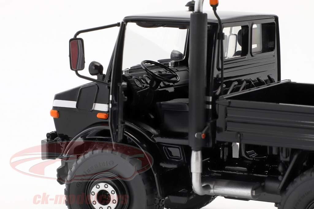 Mercedes-Benz Unimog U1600 negro 1:32 Schuco