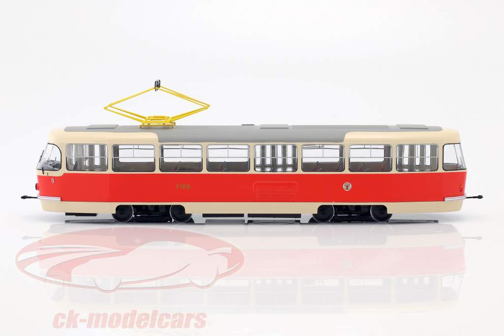 Tatra T3 tram Prague beige / red 1:43 Premium ClassiXXs