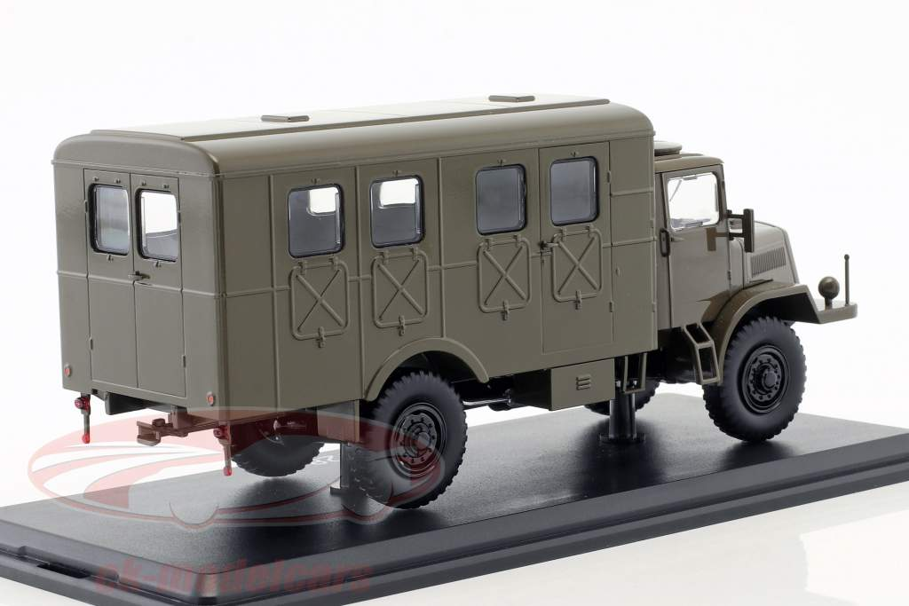 Tatra 128 van Opførselsår 1951 måtten oliven 1:43 Premium ClassiXXs
