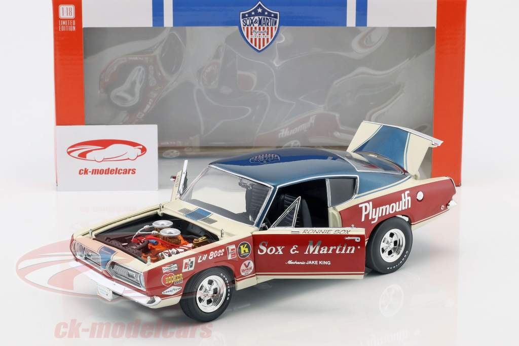 Plymouth Barracuda Sox & Martin year 1968 red / White / blue 1:18 Geenlight