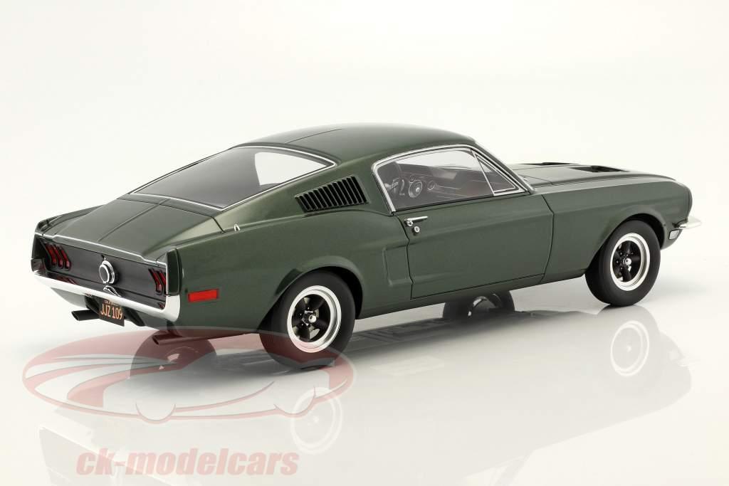 Ford Mustang GT Steve McQueen film Bullitt (1968) mørkegrøn 1:12 GT-Spirit