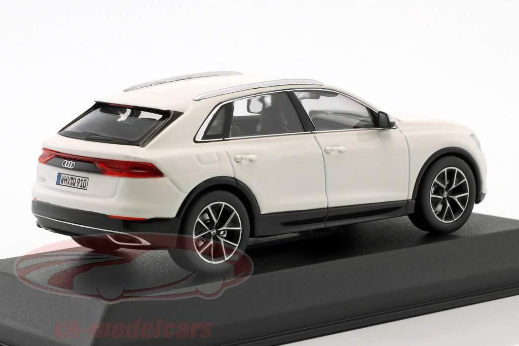 Audi Q8 Opførselsår 2018 hvid 1:43 Norev