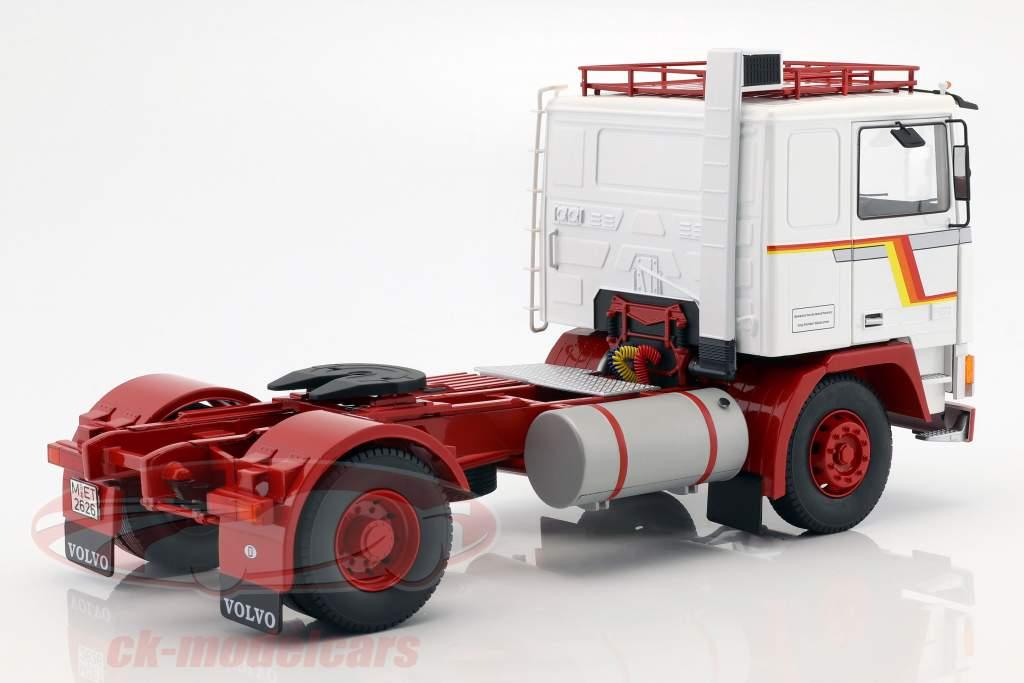 Volvo F12 tracteur année de construction 1977 blanc / rouge 1:18 Road Kings
