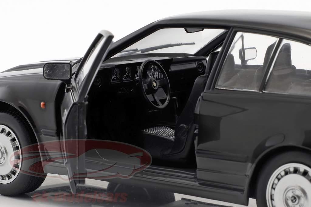 Alfa Romeo GTV6 Bouwjaar 1984 zwart 1:18 Solido