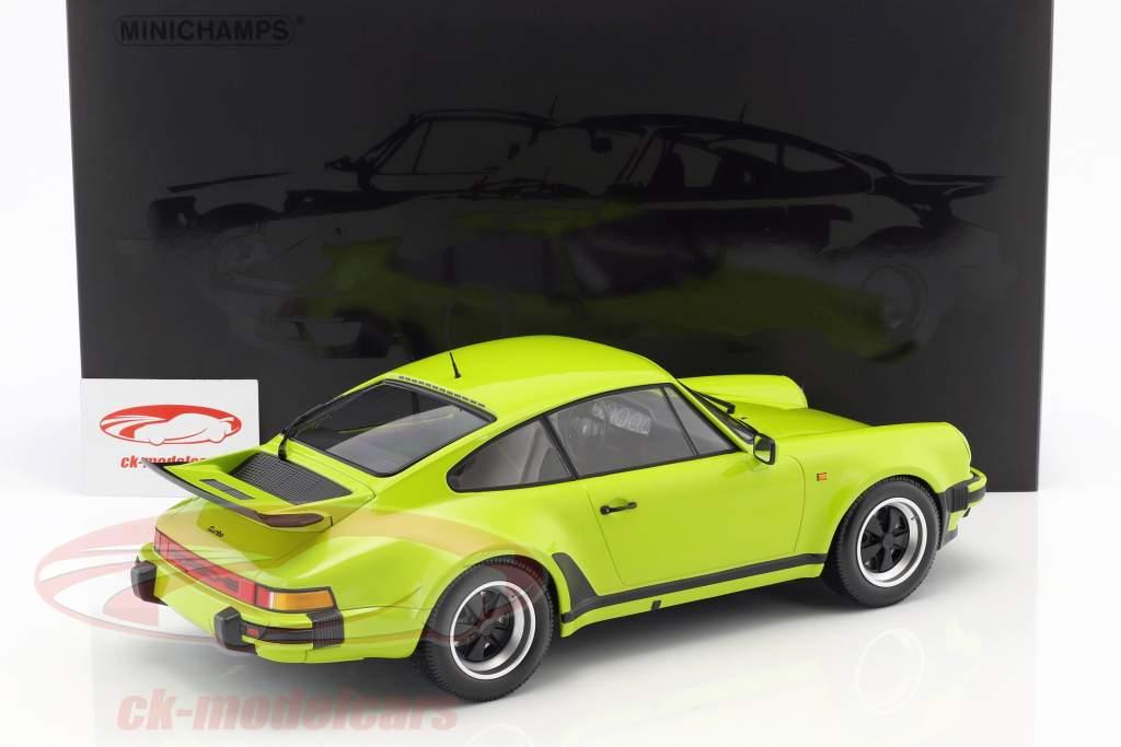 Porsche 911 (930) Turbo año de construcción 1977 luz verde 1:12 Minichamps