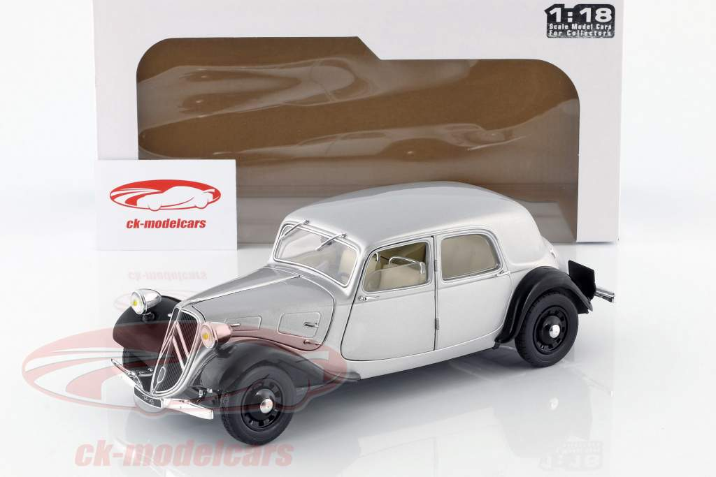 Citroen Traction 11CV year 1937 silver / black 1:18 Solido