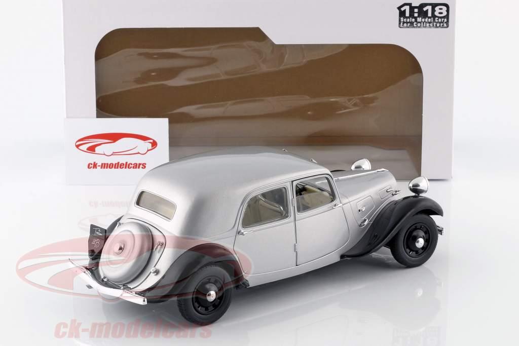 Citroen Traction 11CV Opførselsår 1937 sølv / sort 1:18 Solido
