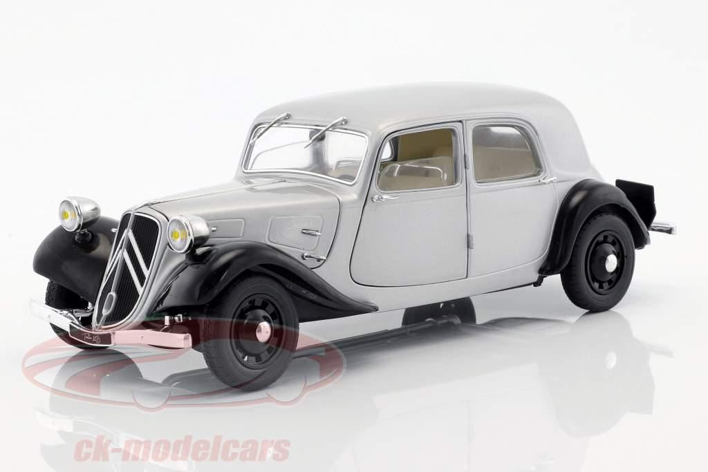 Citroen Traction 11CV anno di costruzione 1937 argento / nero 1:18 Solido