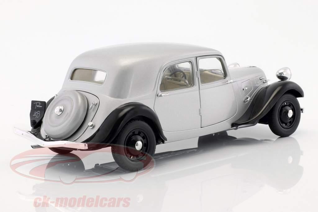 Citroen Traction 11CV Baujahr 1937 silber / schwarz 1:18 Solido
