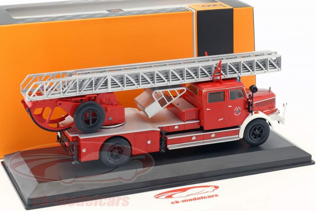 Krupp DL52 com escada bombeiros Essen vermelho 1:43 Ixo