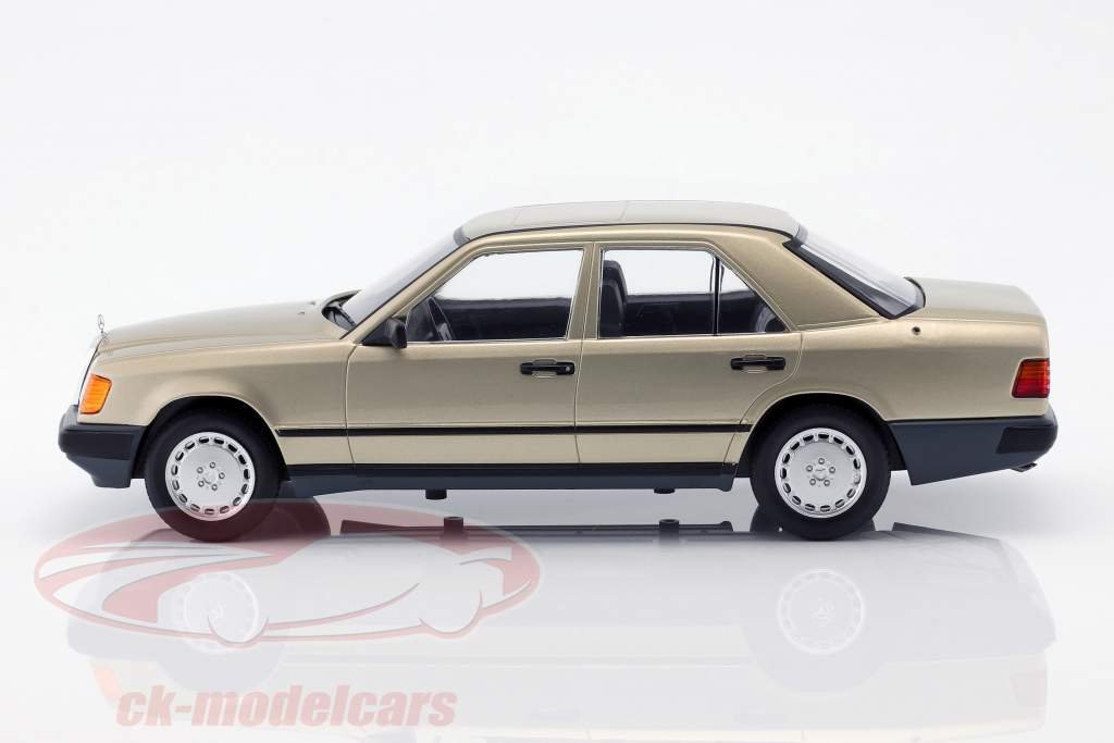 Mercedes-Benz 260 E (W124) Opførselsår 1984 guld metallisk 1:18 Model Car Group